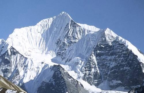 Yala Peak Climbing (5732m)
